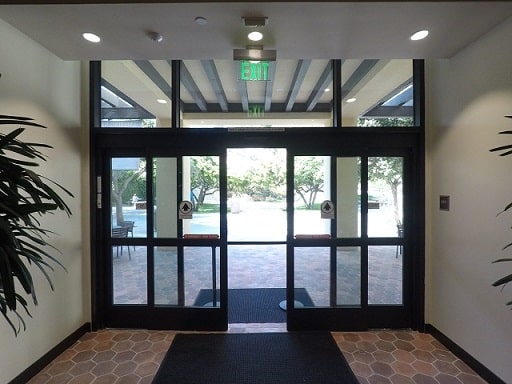 Commercial and Residential Window Tinting 1